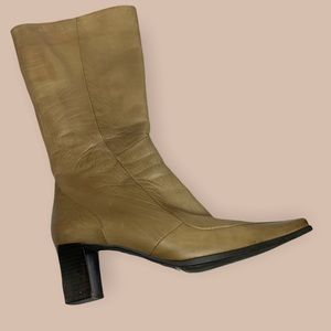 Soft Leather Heeled Boot Camel / Taupe Color Long Square Toe 2000's vintage
